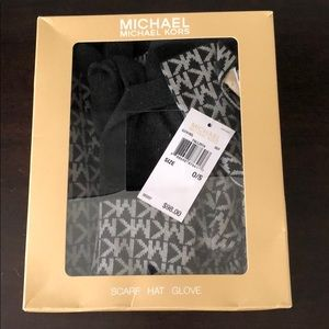 NEW WITH TAGS - MICHAEL KORS scarf, hat & gloves